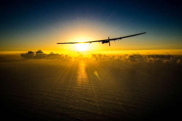 2016 02_26_RTW_Maintenance_Flight_Solar_Impulse_2_Hawaii_Revillard-26_thumb