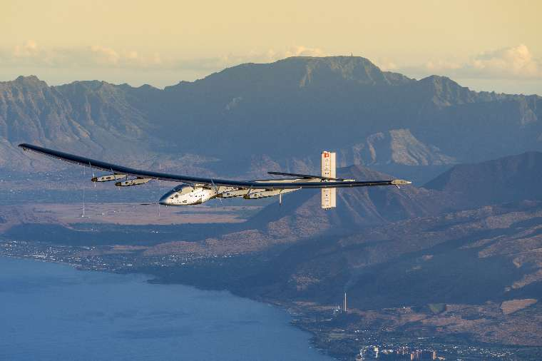 2016 03_27_Maintenance_flight_Hawaii_Solar_Impulse_2_Revillard_08_thumb