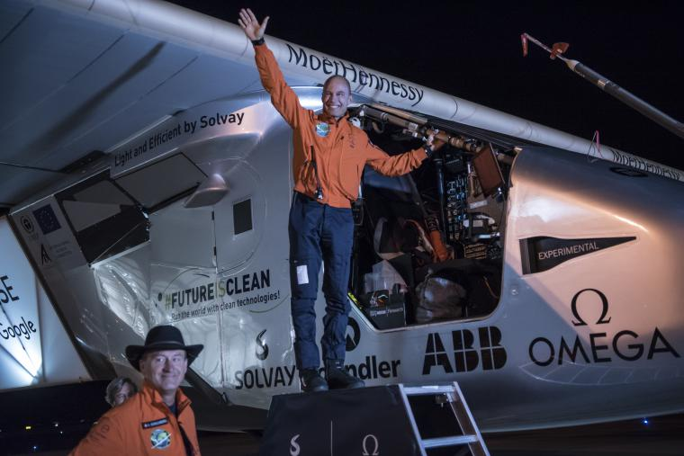 2016 05_12_Solar_Impulse_2_RTW_11th_Leg_Phoenix_to_Tulsa_Takeoff_Solar_Impulse_2_4748_thumb