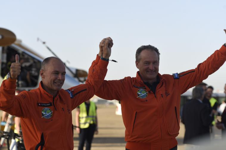 2016 06_23_Solar_Impulse_ATLANTIC_Landing_in_Sevilla_Bertrand_Piccard_and_Andr_Borschberg_Revillard__1398_thumb