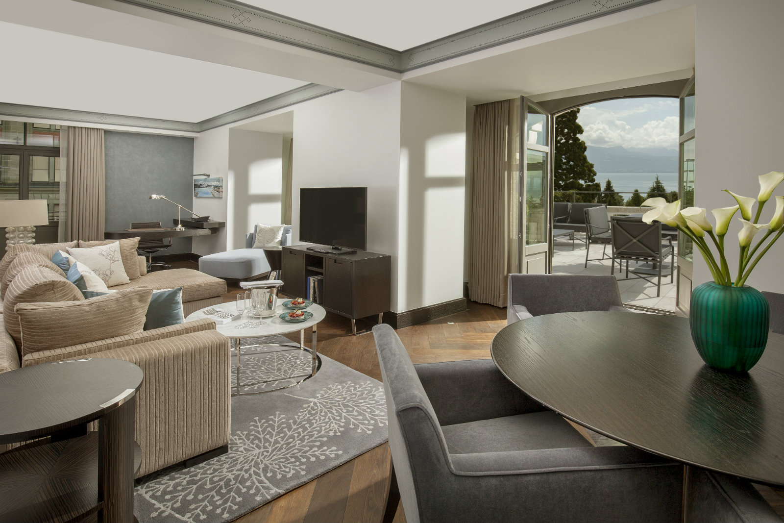 gallery-rooms-and-suites-hotel-lausanne-royal-savoy-12