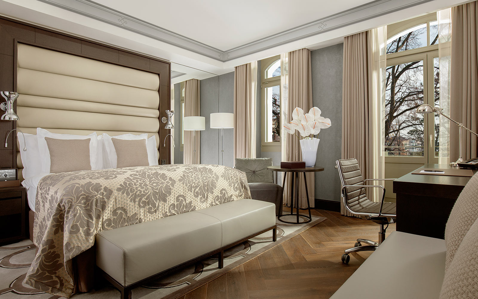 gallery-rooms-and-suites-hotel-lausanne-royal-savoy 01