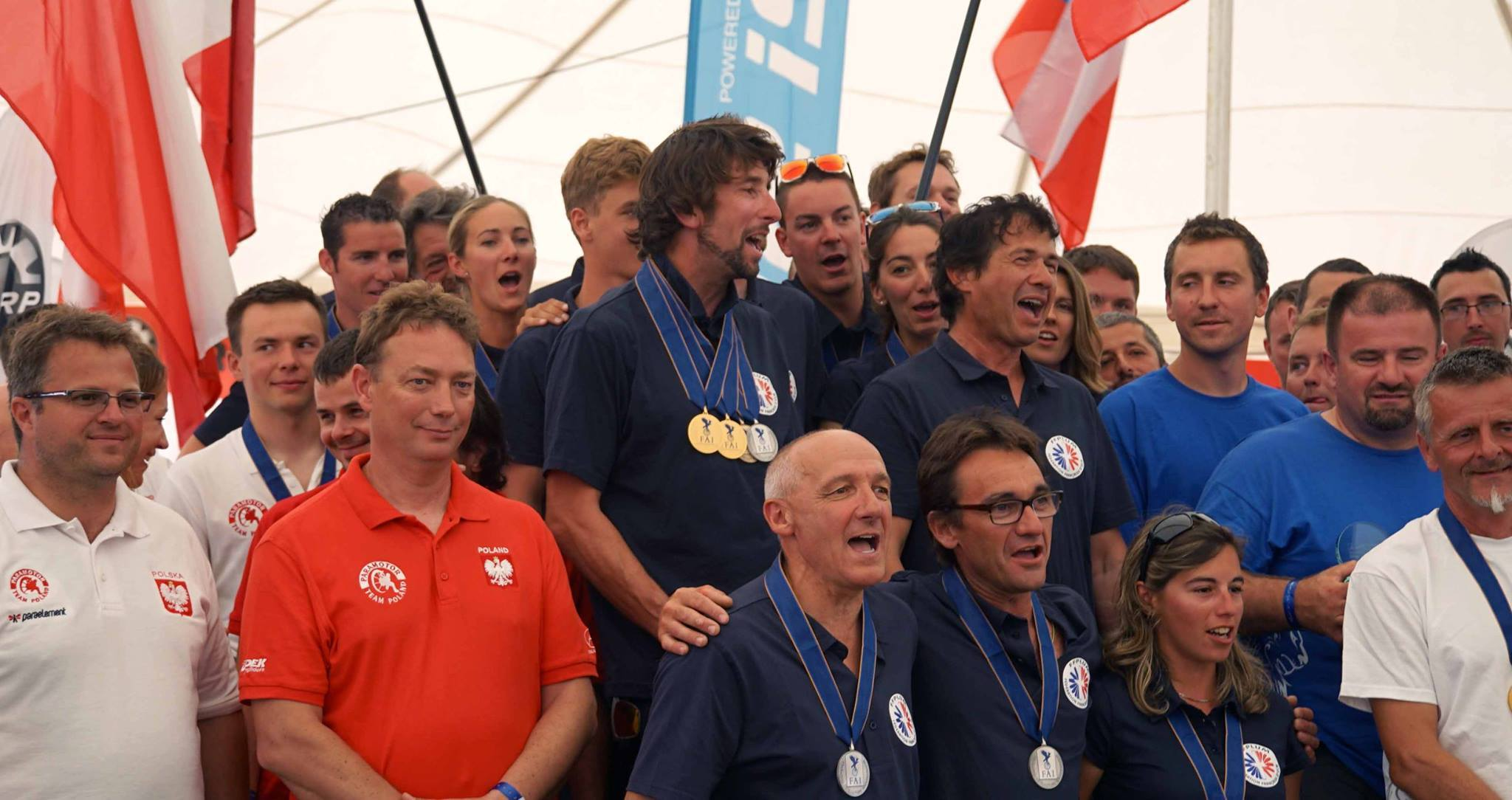 2016 08_30_Team_France_sings_La_Marseillaise_during_the_medal_ceremony_Popham_UK