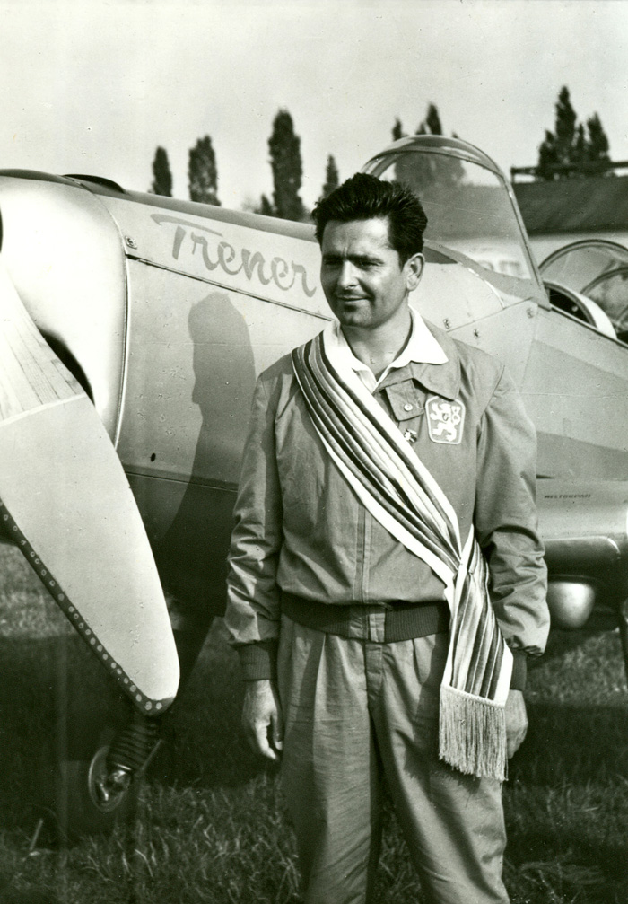Ladislav_Bezak_-_1960_World_Aerobatic_Champion