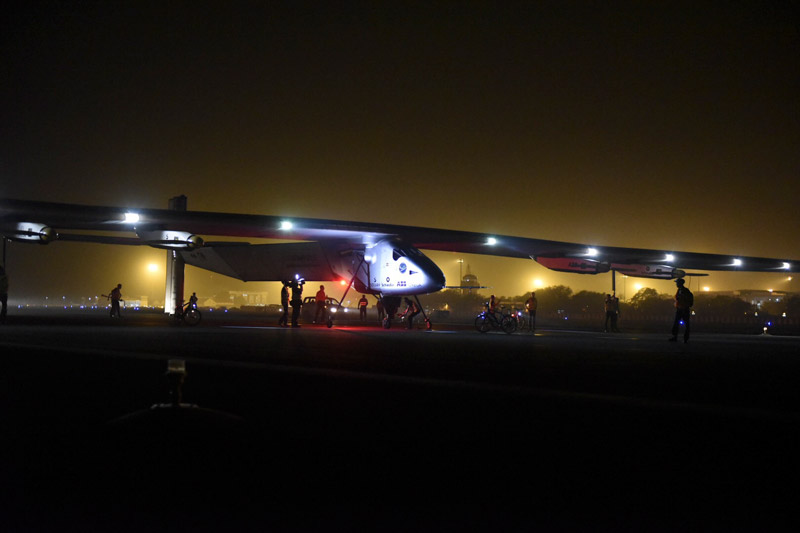 2015 03 10 Solar Impulse 2 RTW 2nd Flight Muscat to Ahmedabad Landing Revillard-0864