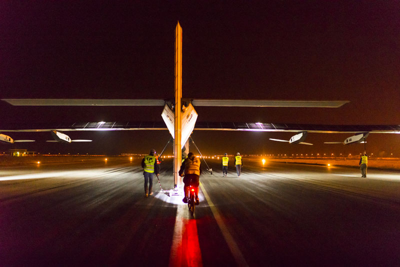 2015 03 19 Solar Impulse 2 RTW 4th Flight Varanasi to Mandalay take-off revillard-02