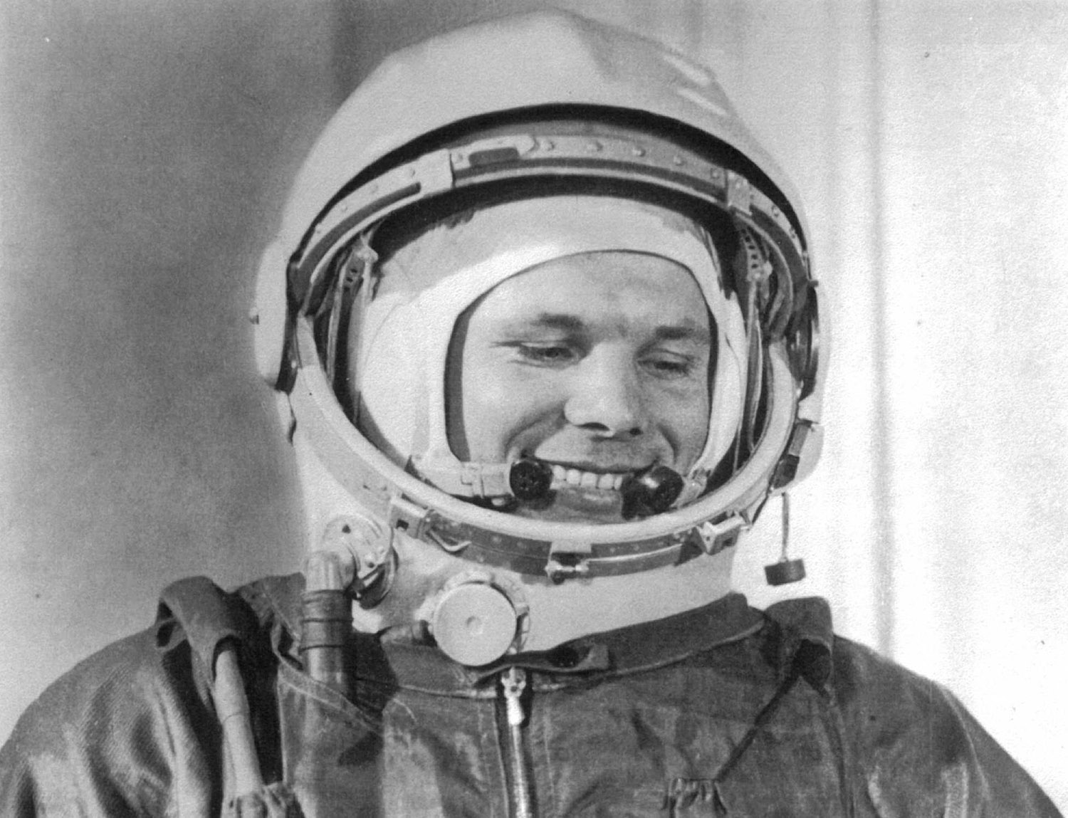 Pilot-cosmonaut_Y._A._Gagarin_in_his_flight_suit